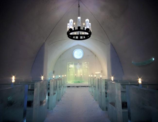 アイスホテルの教会
