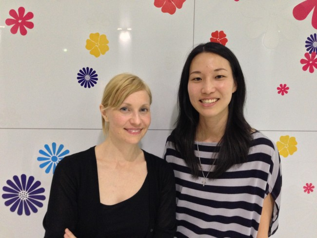写真:Katie Goes to Tokyoとスウェーデンライターaiko