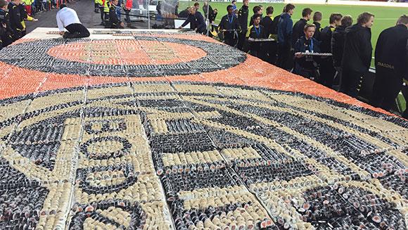 largest-sushi-mosaic_tcm25-445829