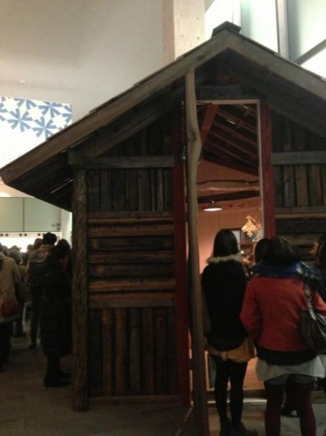フィンランドのくらしとデザイン展(木のコテージ)