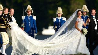 写真:マデレーン王女が船を下りたときの様子