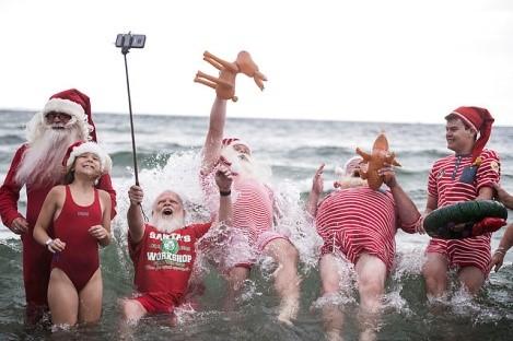 santa bathing